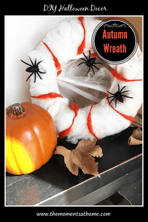 DIY Halloween Wreath. DIY Spider Wreath #halloweenwreaths
