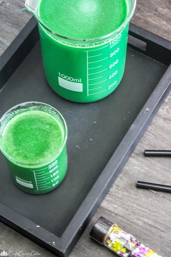 Green drink recipe for Halloween.