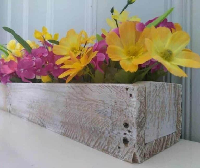 DIY Pallet Wood Centerpiece: Make Your Table Beautiful