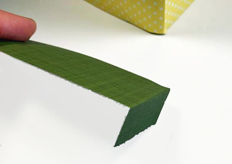 Recycled Box & Paper Pineapple Craft. A fun recycled craft for kids, decorating a party or just for fun.