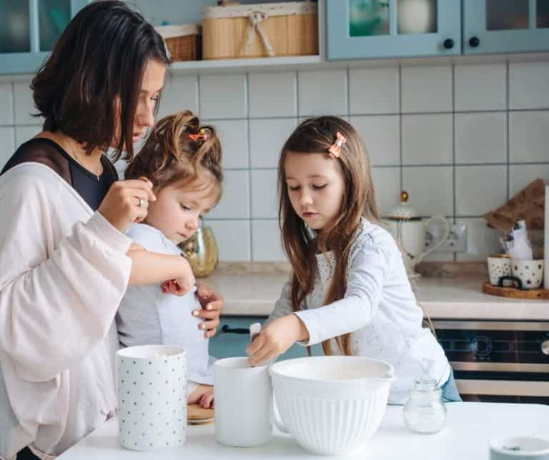 4 Reasons You Should Start Cooking With Your Kids Today