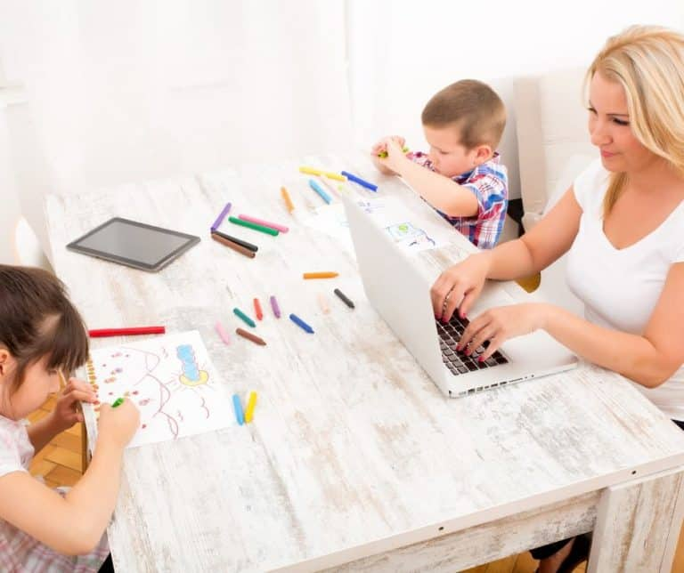 8 Easy Non-Screen Ideas To Keep Your Kids Busy When You Need To Get Stuff Done