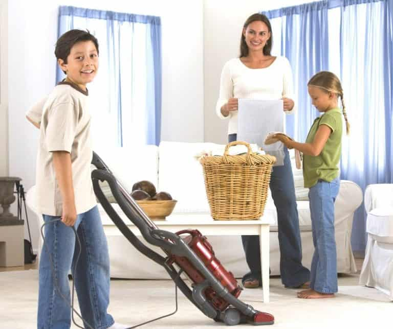 7 Fantastic Benefits For Your Kids Who Do Chores